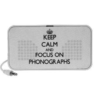 Gardez le calme et le foyer sur des phonographes haut-parleurs iPhone