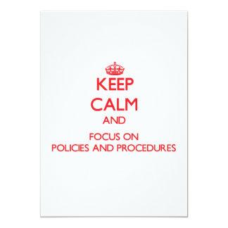Gardez le calme et le foyer sur des politiques et faire-parts