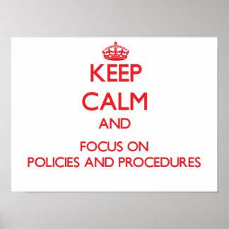 Gardez le calme et le foyer sur des politiques et  posters