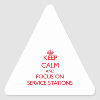 Gardez le calme et le foyer sur des stations servi