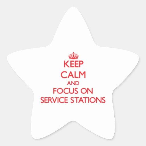 Gardez le calme et le foyer sur des stations servi stickers en étoile