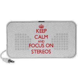 Gardez le calme et le foyer sur des stéréos haut-parleur mobile