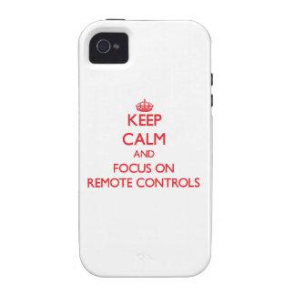 Gardez le calme et le foyer sur des télécommandes coque vibe iPhone 4