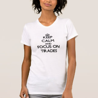 Gardez le calme et le foyer sur des tirades t-shirt