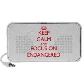 Gardez le calme et le foyer sur ENDANGERED Haut-parleurs Notebook