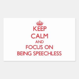 Gardez le calme et le foyer sur être sans voix