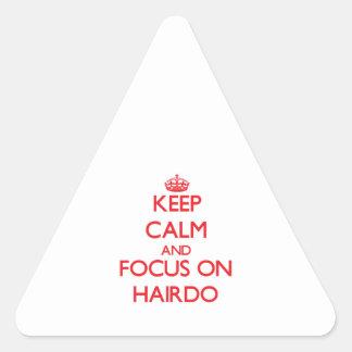 Gardez le calme et le foyer sur la coiffure sticker en triangle