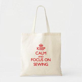 Gardez le calme et le foyer sur la couture sacs