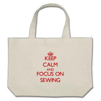 Gardez le calme et le foyer sur la couture sac