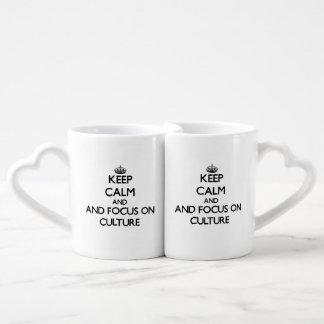 Gardez le calme et le foyer sur la culture set tasses duo