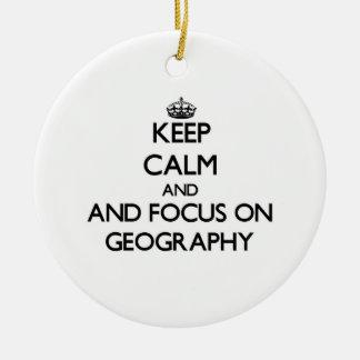 Gardez le calme et le foyer sur la géographie ornement rond en céramique