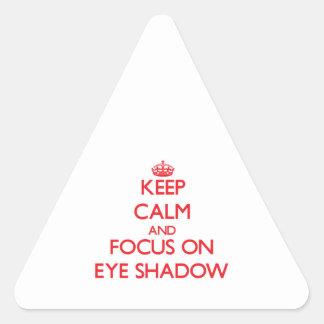 Gardez le calme et le foyer sur le FARD À Sticker En Triangle