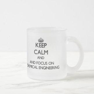 Gardez le calme et le foyer sur le génie chimique tasses à café