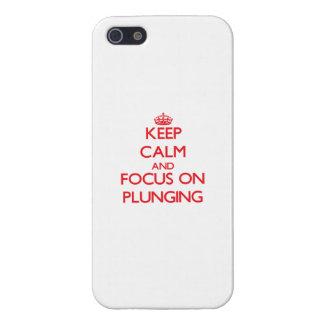 Gardez le calme et le foyer sur le plongement étui iPhone 5