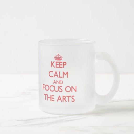 Gardez le calme et le foyer sur les arts tasse