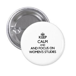 Gardez le calme et le foyer sur les études des badges avec agrafe