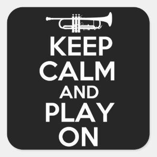 Gardez le calme et le jeu sur (la trompette) sticker carré