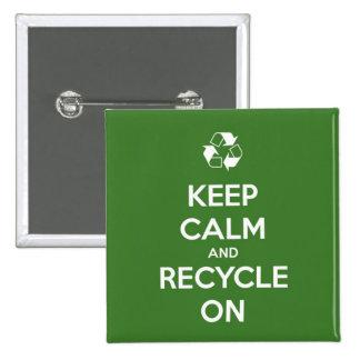 Gardez le calme et le réutilisez sur vert et le badges