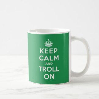Gardez le calme et le Troll dessus Mug