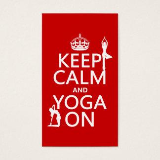 Gardez le calme et le yoga sur (les couleurs de cartes de visite