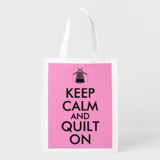 Gardez le calme et l'édredon sur les aiguilles de sac réutilisable d'épcierie