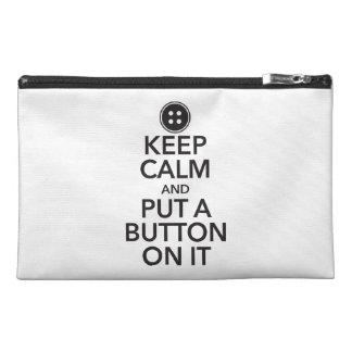 Gardez le calme et mettez un bouton là-dessus mini trousse à accessoires de voyage
