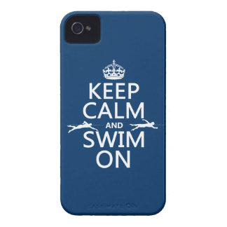 Gardez le calme et nagez sur (dans toute couleur) coques Case-Mate iPhone 4
