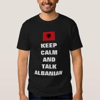 Gardez le calme et parlez l'albanais t-shirts