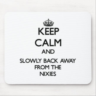 Gardez le calme et soutenez lentement à partir de tapis de souris