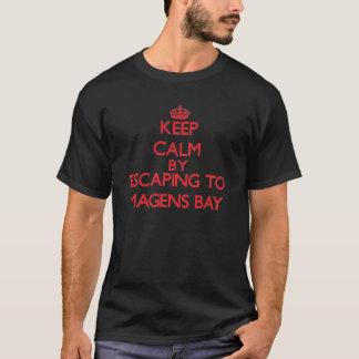 Gardez le calme par l'évasion à la baie Îles T-shirt