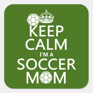 Gardez le calme que je suis une maman du football sticker carré