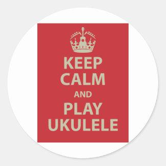 Gardez l'ukulélé de calme et de jeu sticker rond