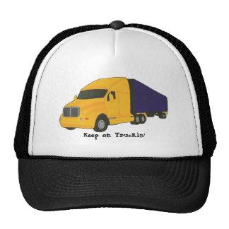 Gardez sur le camion de remorque de tracteur de casquette de camionneur