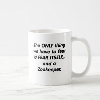 gardien du zoo de crainte mug