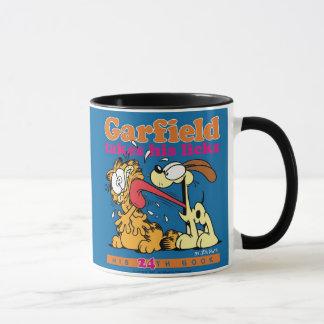 Garfield prend le sien lèche la tasse