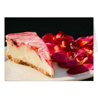 Gâteau au fromage de fraise et carte de voeux