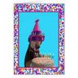 Gâteau coloré de célébration d'anniversaire de dob cartes de vœux