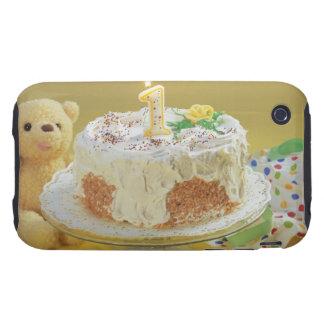 Gâteau d'anniversaire avec un ours de bougie et de coque iPhone 3 tough
