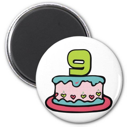 Gâteau d'anniversaire de 9 ans magnet rond 8 cm