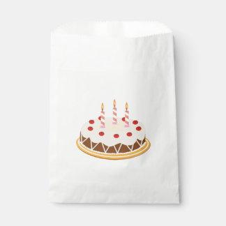 Gâteau d'anniversaire de cerises de chocolat de sachets en papier
