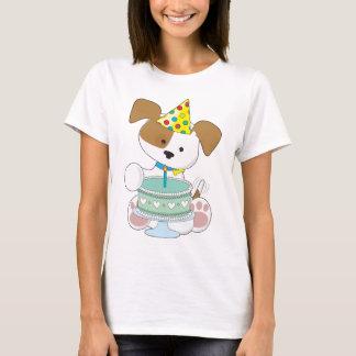 Gâteau d'anniversaire de chiot t-shirt