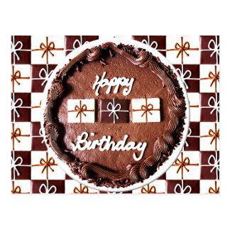 """Gâteau de chocolat de """"joyeux anniversaire"""" carte postale"""