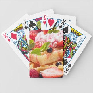 Gâteau de gaufre avec la baie fraîche cartes à jouer