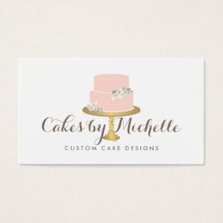 Gâteau rose élégant avec le gâteau floral décorant cartes de visite