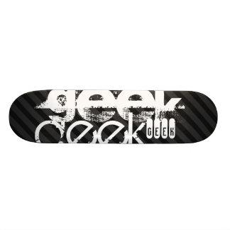 Geek ; Rayures noires et gris-foncé Plateaux De Skateboards