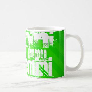 Gémeaux ; Rayures vertes au néon Mug