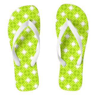 Géométrique vert et blanc de kiwi tongs