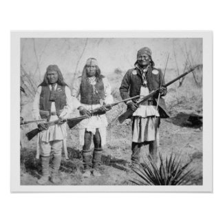 Geronimo et trois de ses guerriers d'Apache, 1886  Posters