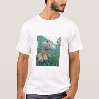 Girafe dans le sauvage t-shirt