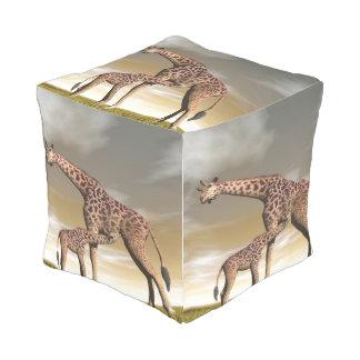 Girafe de maman et de bébé - 3D rendent Pouf D'extérieur